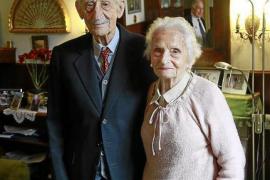 Insel-Oberst feiert seinen 100. Geburtstag