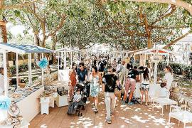 Beliebter Bauernmarkt im Nobelhafen auf Mallorca