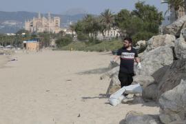 Putzaktion am Stadtstrand von Palma de Mallorca