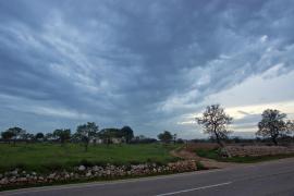 Unvorhergesehener Regen allein in Manacor