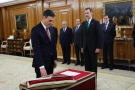 Pedro Sánchez legt vor dem König den Amtseid ab