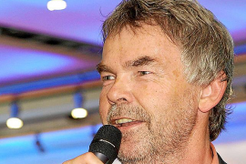 "Manni Breuckmann singt bei ""Music & Talk"""