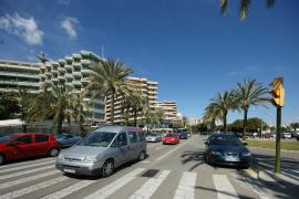 Der Paseo Marítimo, Palmas Hafenpromenade: Jeweils drei Fahrspuren in jede Fahrtrichtung.