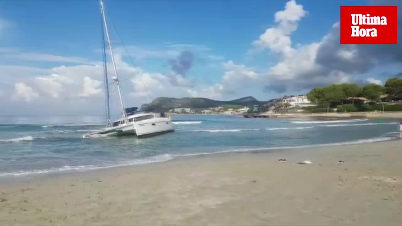 Katamaran im Südwesten Mallorcas gestrandet