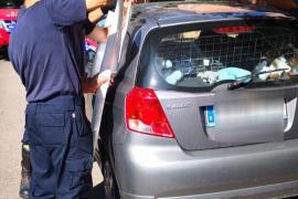 Pralle Sonne: Feuerwehr rettet Baby aus Auto