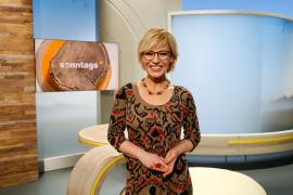 """Andrea Ballschuh moderiert das Magazin """"Sonntags""""."""