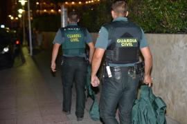 18-Jähriger stürzt in fünftem Stock aus Hotelfenster