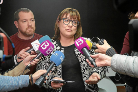Tourismusministerin gibt Parlamentssitz ab