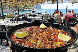 Im Zubereiten von Paellas ist man in dem originellen Lokal versiert.