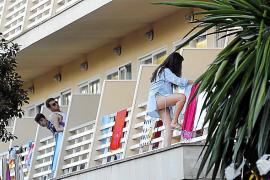 Dreimal Bußgelder wegen Balconing in Calvià verhängt