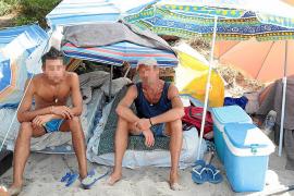 Obdachlose machen es sich am Mallorca-Strand bequem
