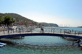Eines der ersten Bauwerke, die Besucher des Ports erblicken, ist diese Brücke.