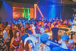 """Heute heißt die einstige Diskothek """"Barracuda"""" """"Monkey Mind"""" und lockt auch junge Spanier aus Palma nach Port d'Andratx."""