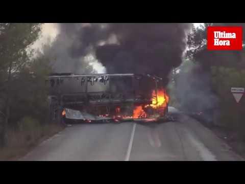 Erneut Bus auf Weg zum Flughafen ausgebrannt