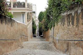Tägliches Fitnesstraining: Manche der prächtigen Jugendstilvillen sind nur über steile Treppen erreichbar.