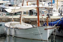 Eine traditionelle Llaüt im Hafen von Bonnaire bei Alcúdia. Heute interessieren sich vor allem Liebhaber dafür.