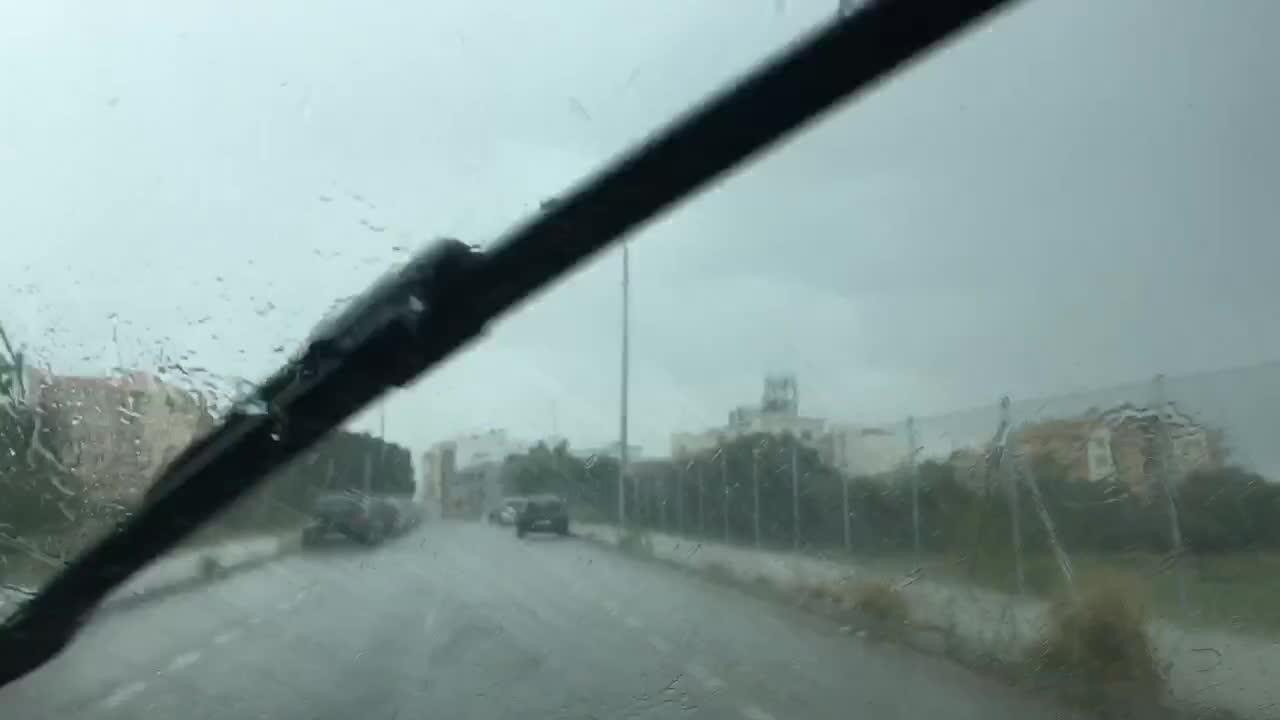 Platzregen setzt Palma zeitweise unter Wasser