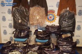 Festnahme am Flughafen: Dieb legte Senioren rein