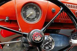Historischer VW-Bulli: Jaumes feuerrotes Spielmobil