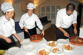 Joan Bagur und sein Team zeigten ihr Können im feinen Meerblick-Restaurant Veleria (NH-Hotel Hesperia Villamil in Peguera).