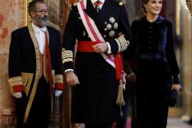 König Felipe VI. erhöht sich selbst das Gehalt