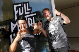 Kirsten Friedemann und ihr Partner Björn Beck sind eingefleischte Metal-Fans, mögen aber den Komfort nach Konzertende statt Camp
