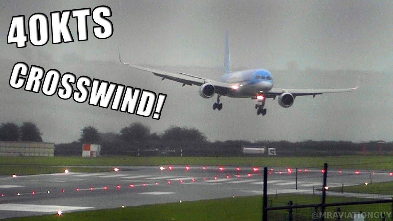 Spektakuläre Landung einer Tui-Maschine bei Seitenwind