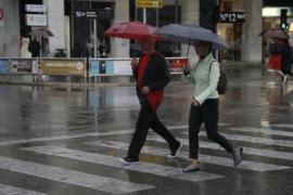 Unwetter auf Mallorca: Straßen gesperrt, Schneefallgrenze sinkt