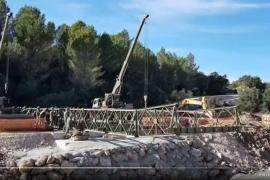Armee errichtet provisorische Brücke in Artà