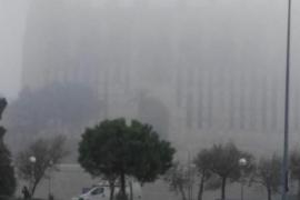 Mallorca erwacht in dichtem Nebel