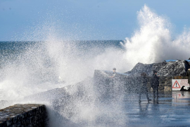 Meteorologen erwarten Fünf-Meter-Wellen an Mallorcas Küsten