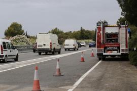 Pkw fällt zehn Meter tief auf Andratx-Autobahn