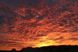 Magischer Sonnenuntergang verzückt Mallorca-Menschen