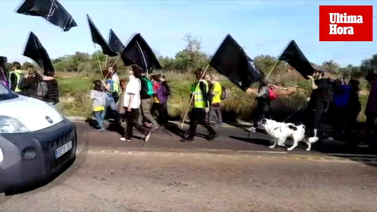 13 Kilometer Protestmarsch gegen Straßenausbau