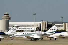 Privatflugzeuge auf dem Insel-Airport Son Sant Joan.