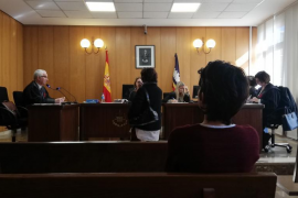 Nachbarshunde vergiftet: Prozess gegen Frau in Palma
