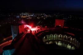 Leuchtfeuer auf Mallorca-Türmen entzündet