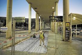 Neues Laufband vor Mallorca- Airport funktionstüchtig