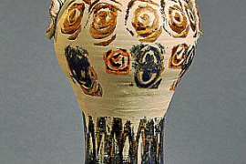 Historische Zierkrüge in Ausstellung zu sehen