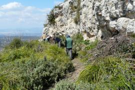 Die Höhle befindet sich auf dem Berg Randa.
