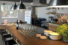 In Son Moix können Weinliebhaber Rebensäfte aus der Region Binissalem verkosten.