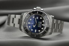 Deutscher vergisst Rolex-Uhren auf Autodach