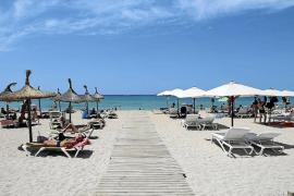Liegen und Schirme an Playa de Palma werden teurer