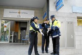 Polizei geht mangels Einsatzwagen zu Fuß Streife