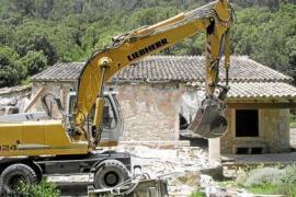 Behörden ordnen Abriss von zwölf illegalen Gebäuden an