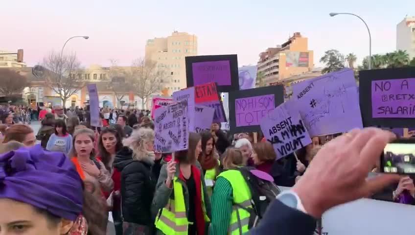 Weltfrauentag: 20.000 demonstrieren in Palma