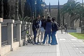 E-Roller stößt mit einem Radfahrer zusammen