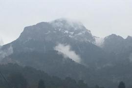 Zum Winterende noch einmal Schnee im Mallorca-Gebirge