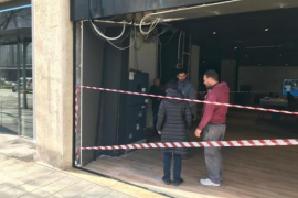 Betrunkener fährt in eine Bankfiliale in Palma