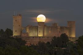 Supermond zeigt sich erneut über Mallorca